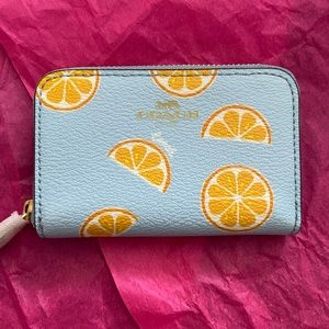 🍊🍊🍊Coach Coin case with Oranges🍊🍊🍊